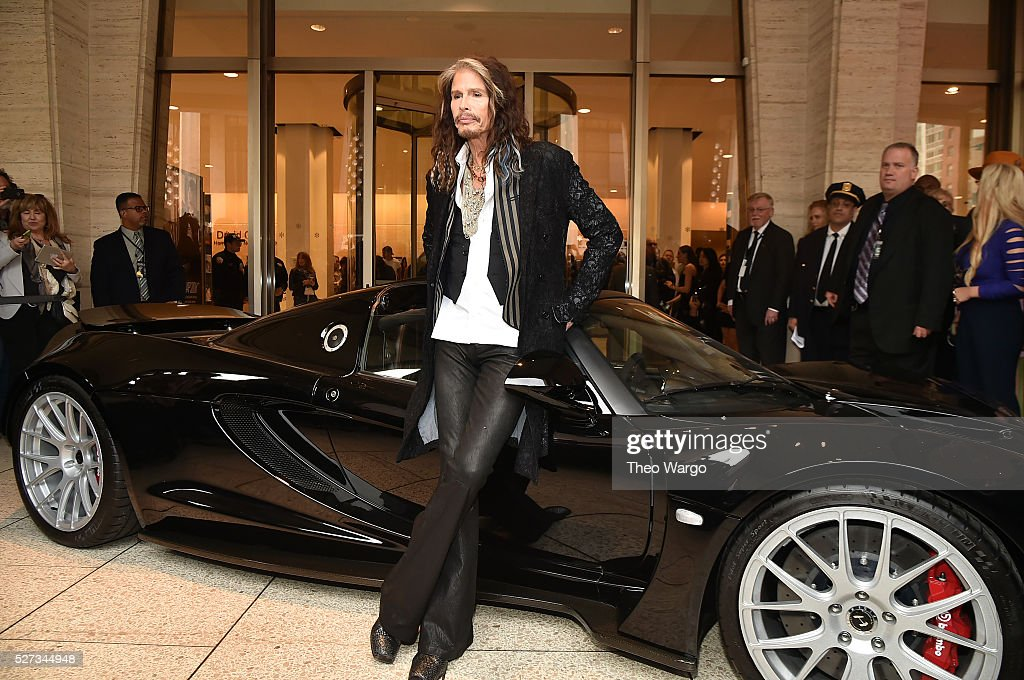 Steven Tyler attends 'Steven Tyler...Out on a Limb' Show to Benefit Janie's Fund in Collaboration with Youth Villages - Red Carpet at David Geffen Hall on May 2, 2016 in New York City.