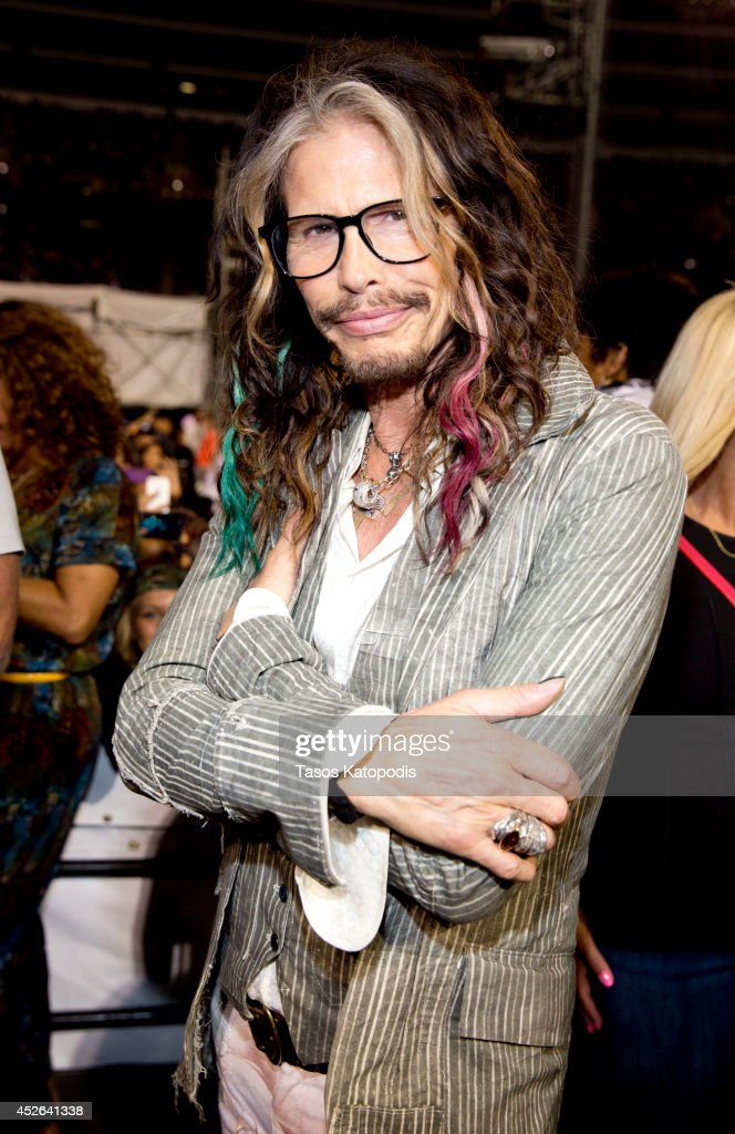 <a gi-track='captionPersonalityLinkClicked' href=/galleries/search?phrase=Steven+Tyler+-+Musician&family=editorial&specificpeople=202080 ng-click='$event.stopPropagation()'>Steven Tyler</a> attends the D'USSE VIP Riser and Lounge at On The Run Tour Chicago at Soldier Field on July 24, 2014 in Chicago, Illinois.