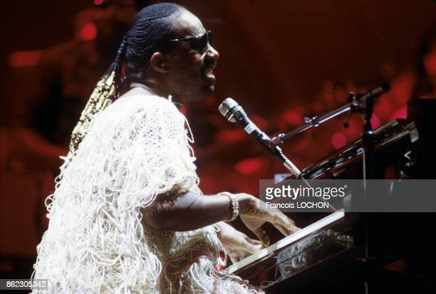 Stevie Wonder sur scène le 3 juillet 1984 à Paris France