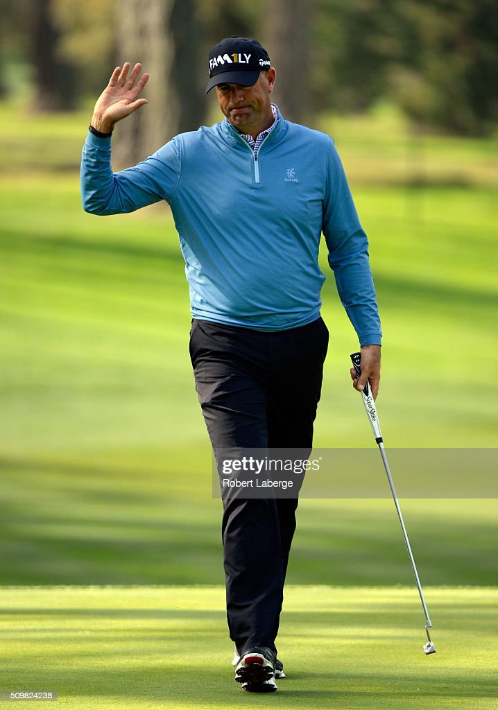 <a gi-track='captionPersonalityLinkClicked' href=/galleries/search?phrase=Stewart+Cink&family=editorial&specificpeople=239533 ng-click='$event.stopPropagation()'>Stewart Cink</a> acknowledges the gallery on the 13th green during the second round of the AT&T Pebble Beach National Pro-Am at the Spyglass Hill Golf Course on February 12, 2016 in Pebble Beach, California.
