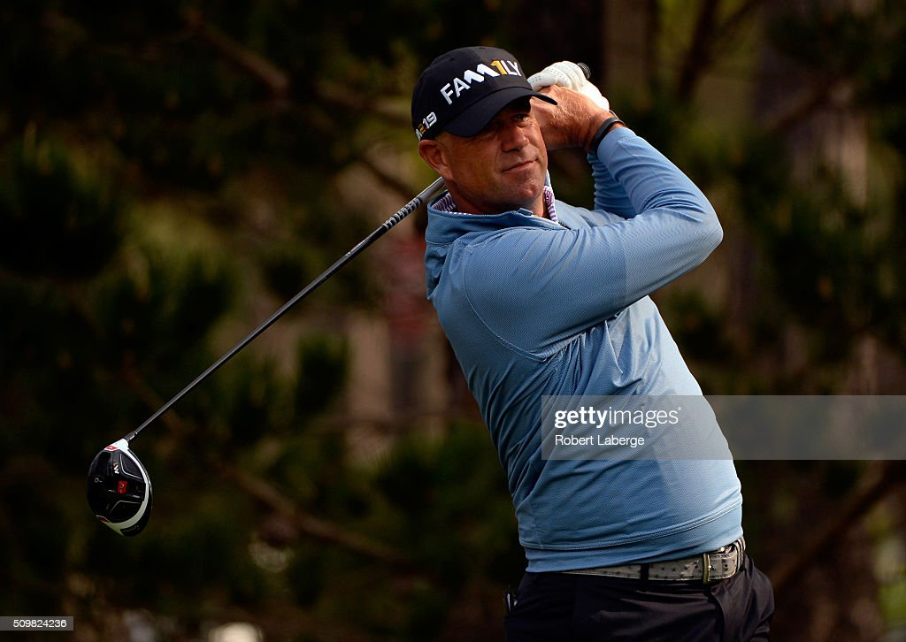 <a gi-track='captionPersonalityLinkClicked' href=/galleries/search?phrase=Stewart+Cink&family=editorial&specificpeople=239533 ng-click='$event.stopPropagation()'>Stewart Cink</a> plays his tee shot on the 14th hole during the second round of the AT&T Pebble Beach National Pro-Am at the Spyglass Hill Golf Course on February 12, 2016 in Pebble Beach, California.