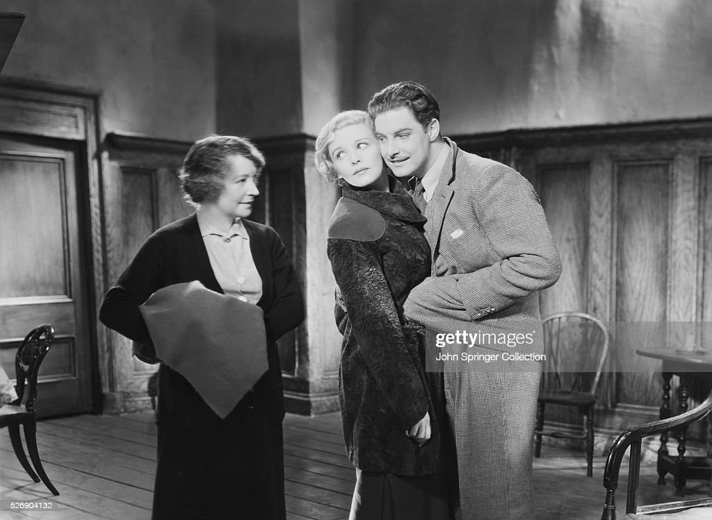 1935- Still from the film 'The 39 Steps', showing <a gi-track='captionPersonalityLinkClicked' href=/galleries/search?phrase=Robert+Donat&family=editorial&specificpeople=210842 ng-click='$event.stopPropagation()'>Robert Donat</a> as Richard Hannay, <a gi-track='captionPersonalityLinkClicked' href=/galleries/search?phrase=Madeleine+Carroll&family=editorial&specificpeople=216347 ng-click='$event.stopPropagation()'>Madeleine Carroll</a> as Pamela, and an unidentified actress.