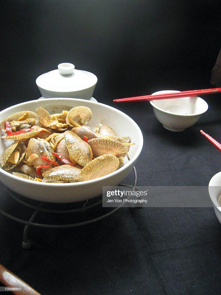 Stir-fried bamboo clams in bean sauce : Stock Photo