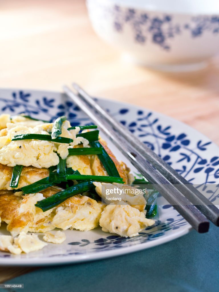 stir-fried eggs with Chinese chives : Stock Photo
