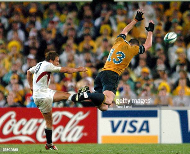 Stirling Mortlock attempts to charge down a Jonny Wilkinson kick during Englands 2017 win over Australia in extra time in the Rugby World Cup 2003...