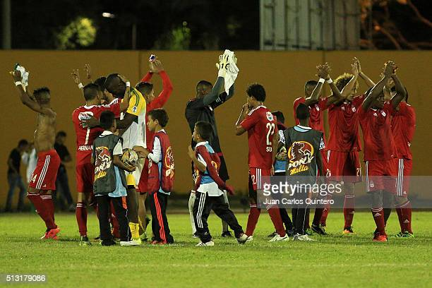 Stiven Tapiero of America de Cali and his teammates celebrate after winning a match against Orsomarso as part of third round of Torneo Aguila 2016 at...