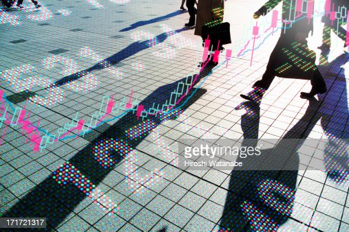 Stock index with walking business men