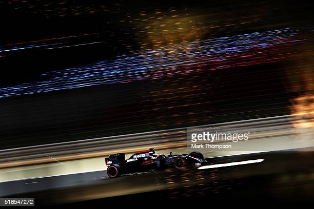 Stoffel Vandoorne of Belgium drives the McLaren Honda Formula 1 Team McLaren MP431 Honda RA616H Hybrid turbo during practice for the Bahrain Formula...
