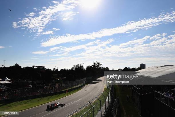 Stoffel Vandoorne of Belgium driving the McLaren Honda Formula 1 Team McLaren MCL32 on track during the Australian Formula One Grand Prix at Albert...
