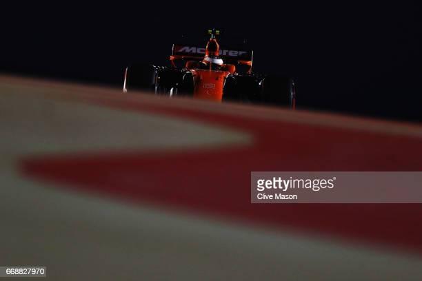 Stoffel Vandoorne of Belgium driving the McLaren Honda Formula 1 Team McLaren MCL32 on track during qualifying for the Bahrain Formula One Grand Prix...