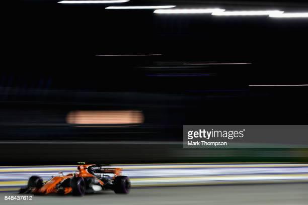 Stoffel Vandoorne of Belgium driving the McLaren Honda Formula 1 Team McLaren MCL32 on track during the Formula One Grand Prix of Singapore at Marina...