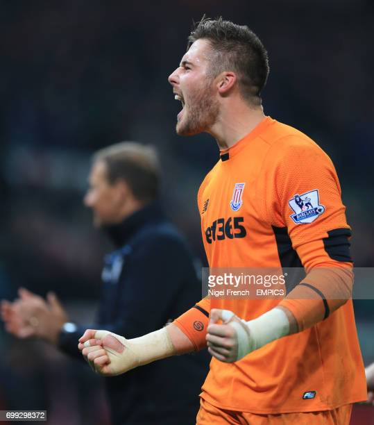 Stoke City goalkeeper Jack Butland celebrates his sides penalty shoot out victory against Chelsea