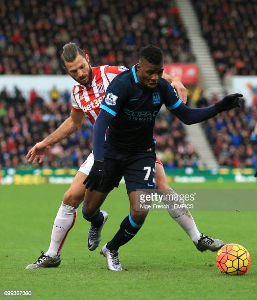 Stoke City's Erik Pieters and Manchester City's Kelechi Iheanacho battle for the ball