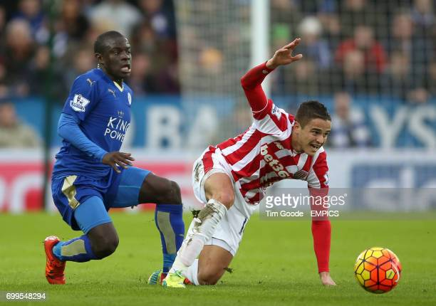 Stoke City's Ibrahim Afellay and Leicester City's N'Golo Kante battle for the ball