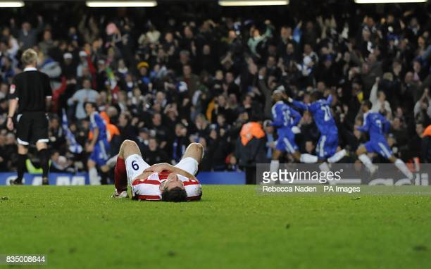 Stoke City's Richard Cresswell reacts after Chelsea's Frank Lampard scores the winning goal