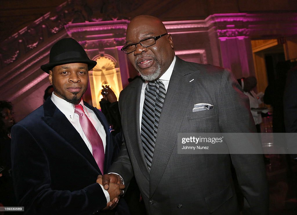 Stokley Williams of Mint Condition and Bishop T.D. Jakes attend the 2013 Debra Lee Pre BET Honors Cocktails & Dinner at The Library of Congress on January 11, 2013 in Washington, DC.