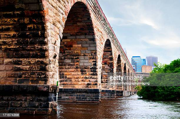 Ponte em Arco de Pedra
