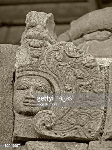 Templo de pedra estrutura Rajarajeswara incorporada cápsulas laterite, : Foto de stock