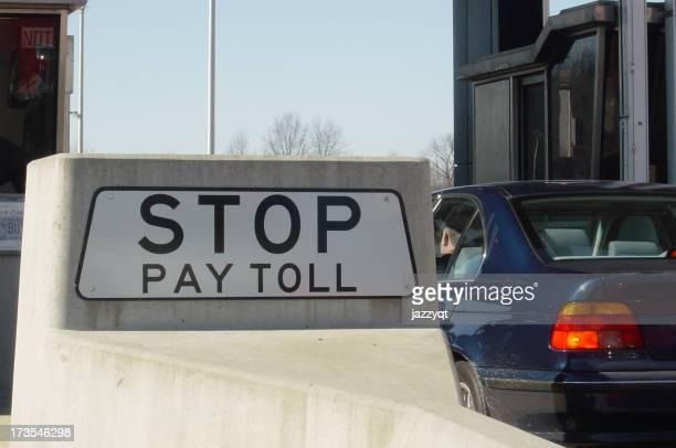 Stop, il pagamento del pedaggio.