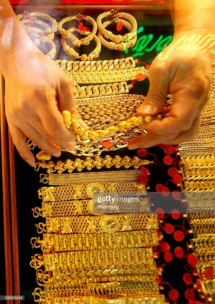 Gold products at chin hua heng goldsmith getty images for Heng kunthea jewelry shop