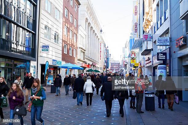 Läden und Menschen in Westenhellweg