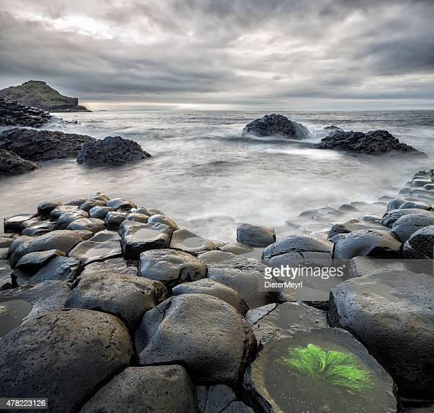 Storm im Giants Causeway, Nordirland