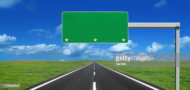 Gerade Highway Roadsign mit leeren