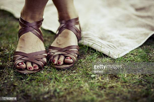 Strap shoes