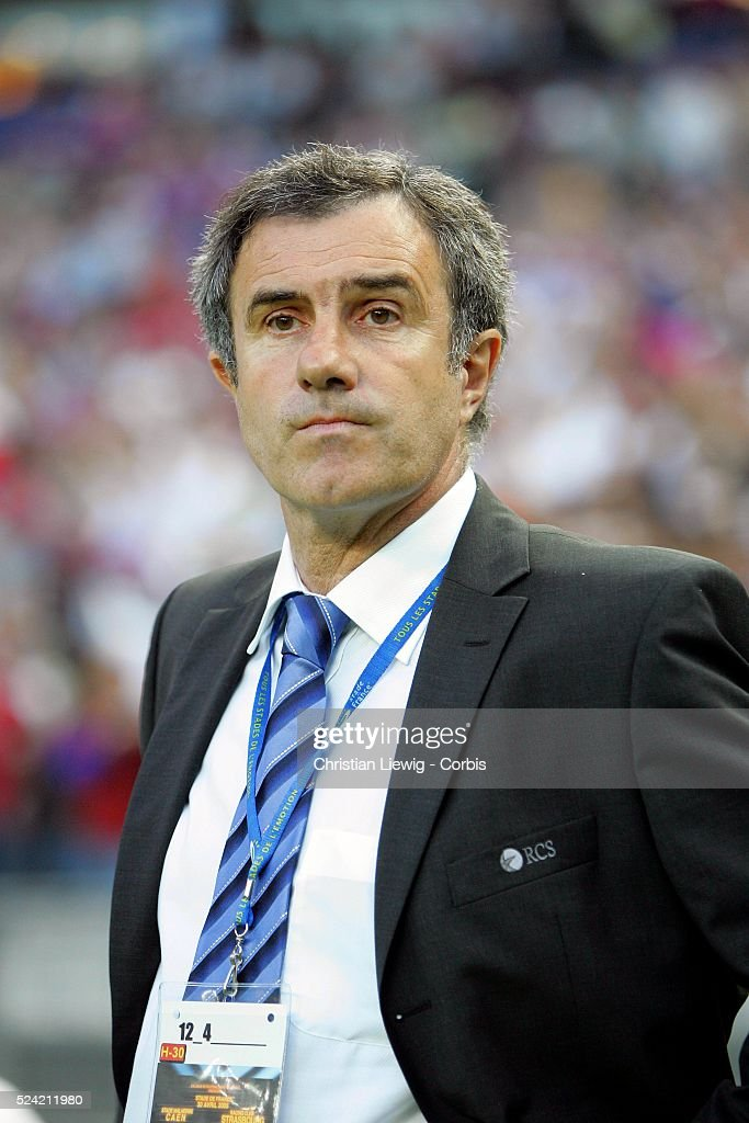 strasbourg coach jacky dugueperoux during soccer action as. Black Bedroom Furniture Sets. Home Design Ideas