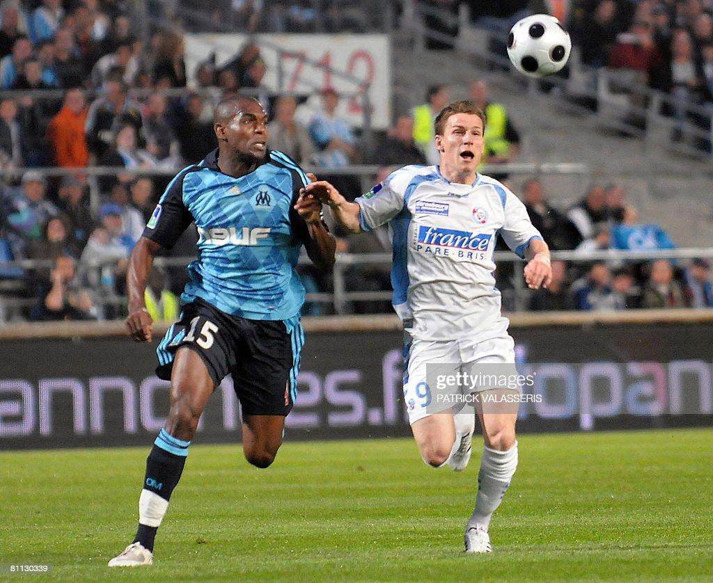Strasbourg s forward Kevin Gameiro R v