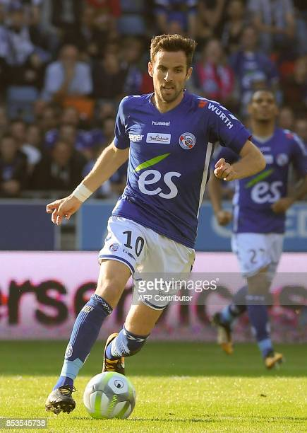 Strasbourg's French midfielder Benjamin Corgnet controls the ball during the French L1 football match between Strasbourg and Nantes on September 24...