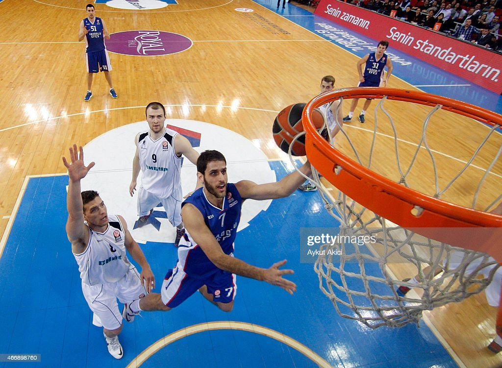 Stratos Perperoglou #7 of Anadolu Efes Istanbul in action during the Turkish Airlines Euroleague Basketball Top 16 Date 11 game between Anadolu Efes...