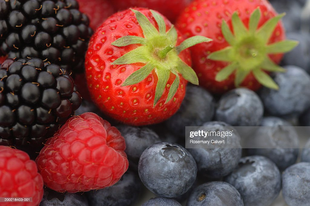 Strawberries, raspberries, blackberries and blueberries, close-up : Stock Photo