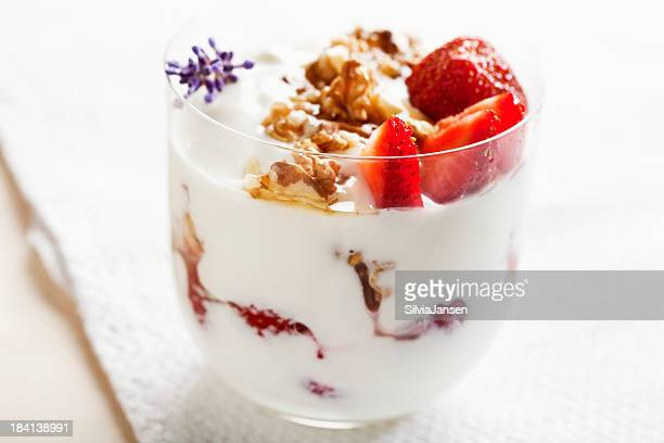 strawberries, walnuts and yoghurt dessert