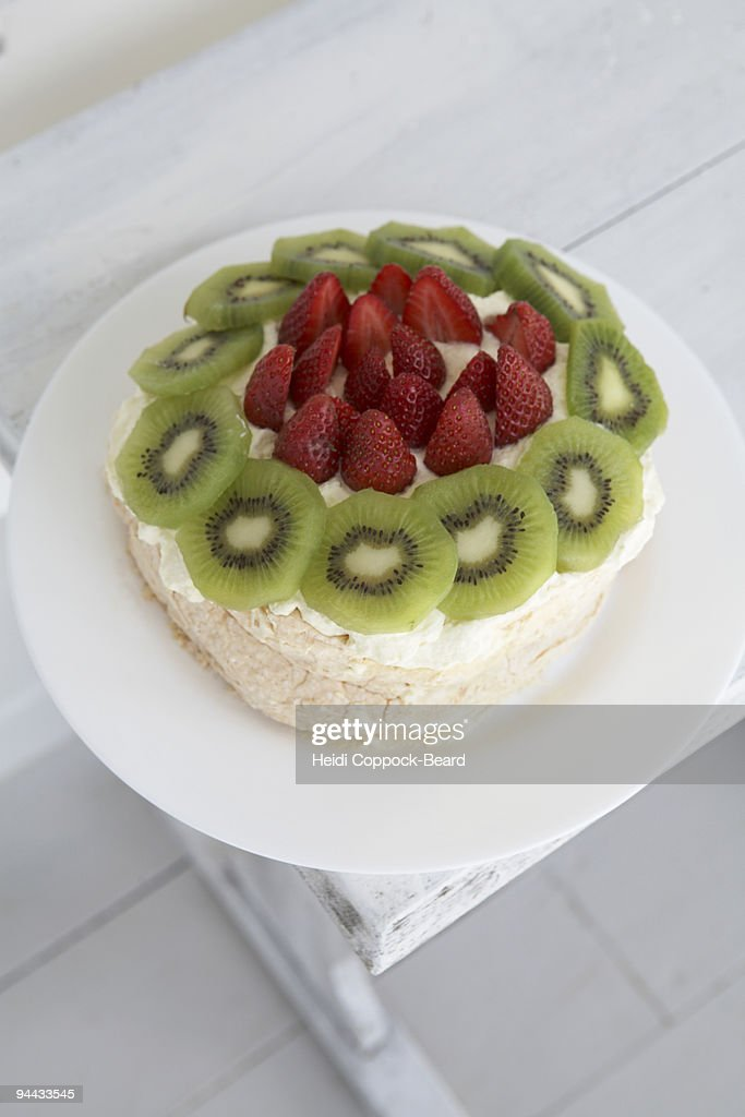 Strawberry and  Kiwi cake : Stock Photo
