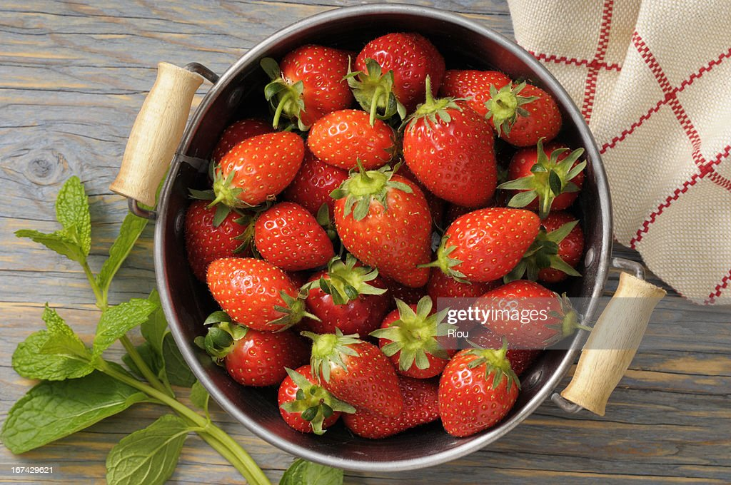strawberry and mint : Stock Photo