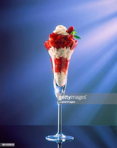 Strawberry parfait with meringue