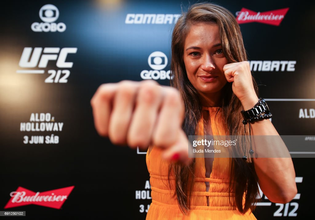 UFC strawweight contender Karolina Kowalkiewicz of Poland pose for photographers during Ultimate Media Day at Windsor Hotel on June 01, 2017 in Rio de Janeiro, Brazil.