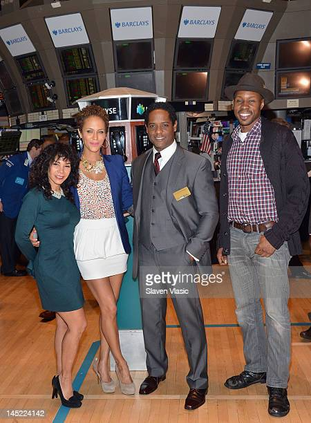 'A Street Car Named Desire' cast members Daphne RubinVega Nicole Ari Parker Blair Underwood and Wood Harris visit the New York Stock Exchange on May...