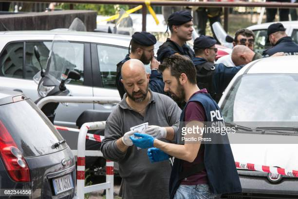 Street explosion in Rome in Vioale Aventino near the post office Exploding was a rudimentary bomb placed in a plastic box between two cars in the...