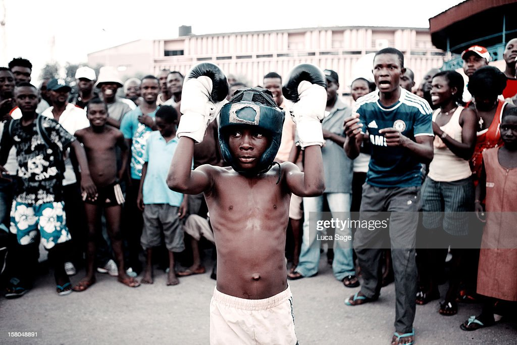 http://media.gettyimages.com/photos/street-fight-boxers-accra-ghana-picture-id158048891?k=6&m=158048891&s=170667a&w=0&h=VQ_QIWOcns_AJTC3BM9QOsbdlnKi-HmBZTTd-UGN_CU=