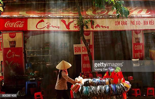 CONTENT] street food in vietnam