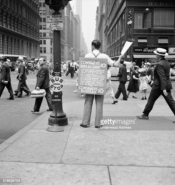 NYC Corner Vendor Pictures | Getty Images