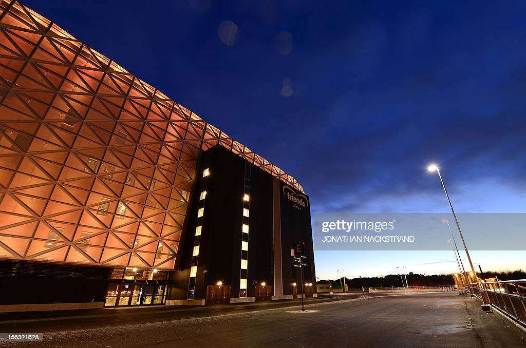 Street lights illuminate the 'Friends Arena', the new stadium of Sweden's national football team in Stockholm's Solna district, on November 13, 2012. AFP PHOTO/JONATHAN NACKSTRAND