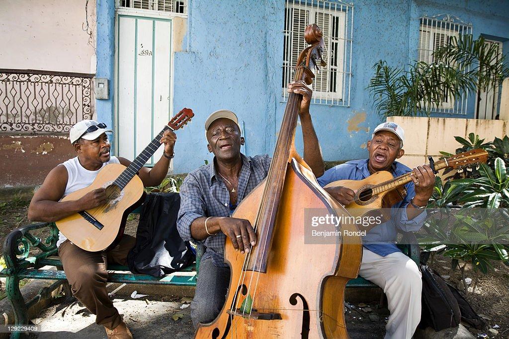 Street musicians, Cuba : Stock Photo