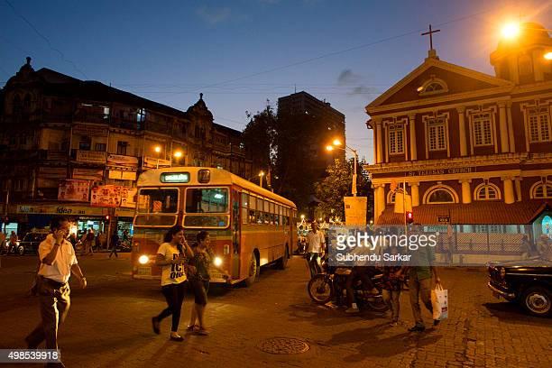 A street scene in an evening in Mumbai