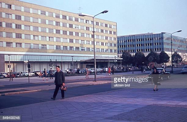 DDR Street scene in East Berlin 'Hotel unter den Linden'
