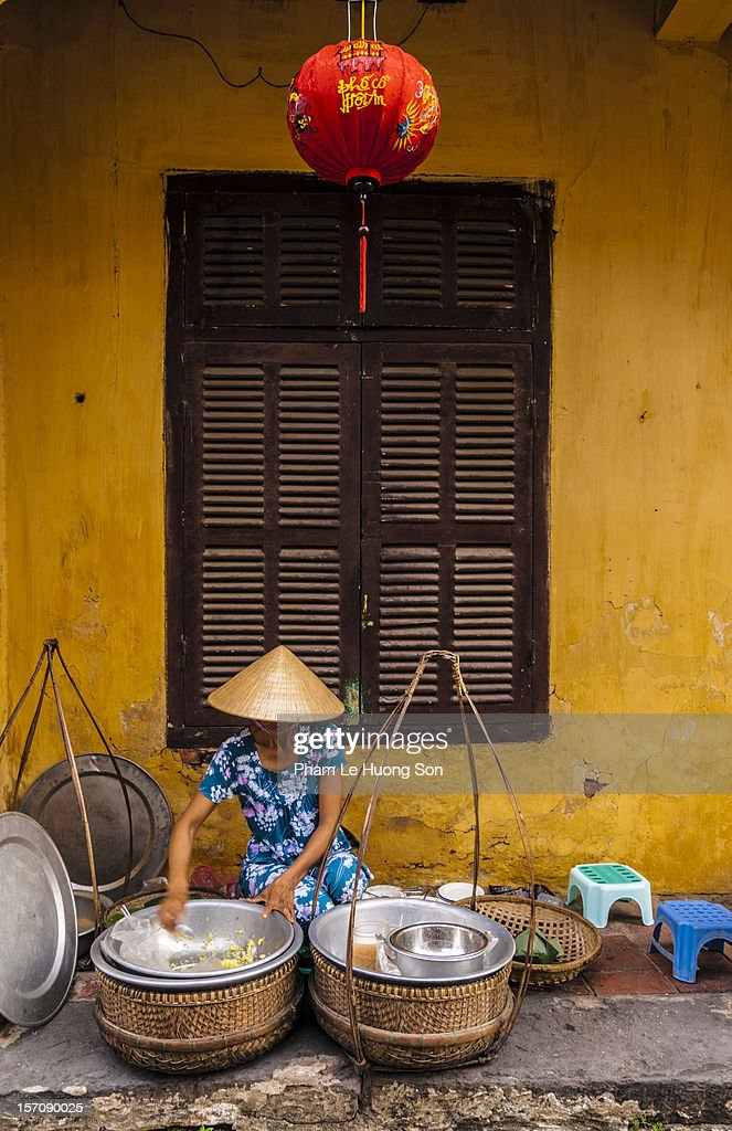 Street vendor selling sticky rice at Hoi An