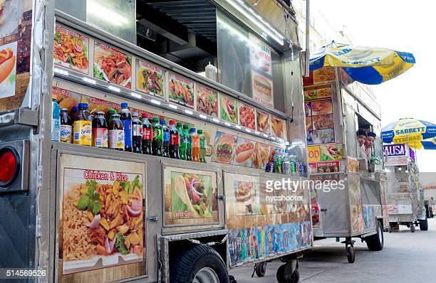 Vendeurs de rue de restauration rapide de hot-dog est