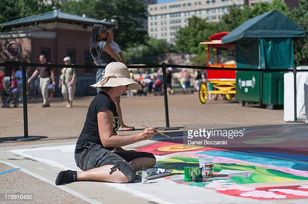 Streetchalk artist Tracy Lee Stum designs a 3D art instillation for 'SoBe 3D Worlds of Flavor inspired by the flavors of SoBe Lifewater Fuji Apple...